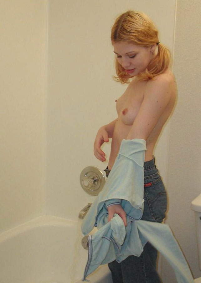 amateur-nude-in-bath-01